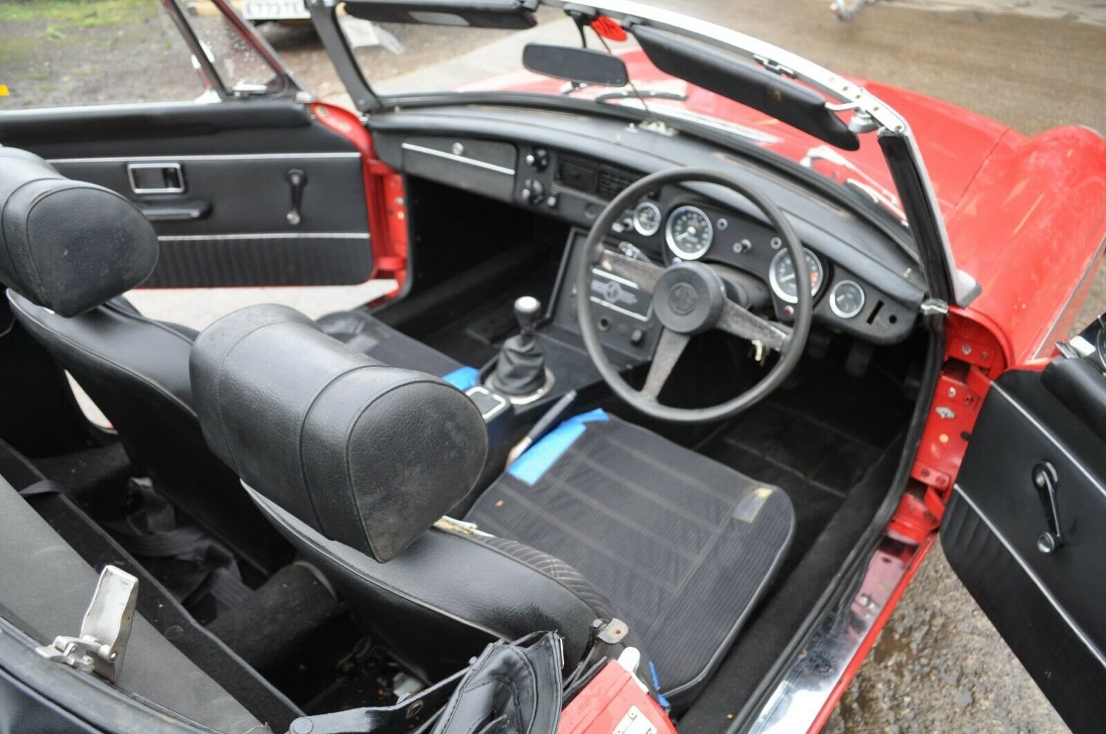 1975 MG MGB ROADSTER IN RED TAX EXEMPT GOOD SOLID CLASSIC CA For Sale (picture 5 of 6)