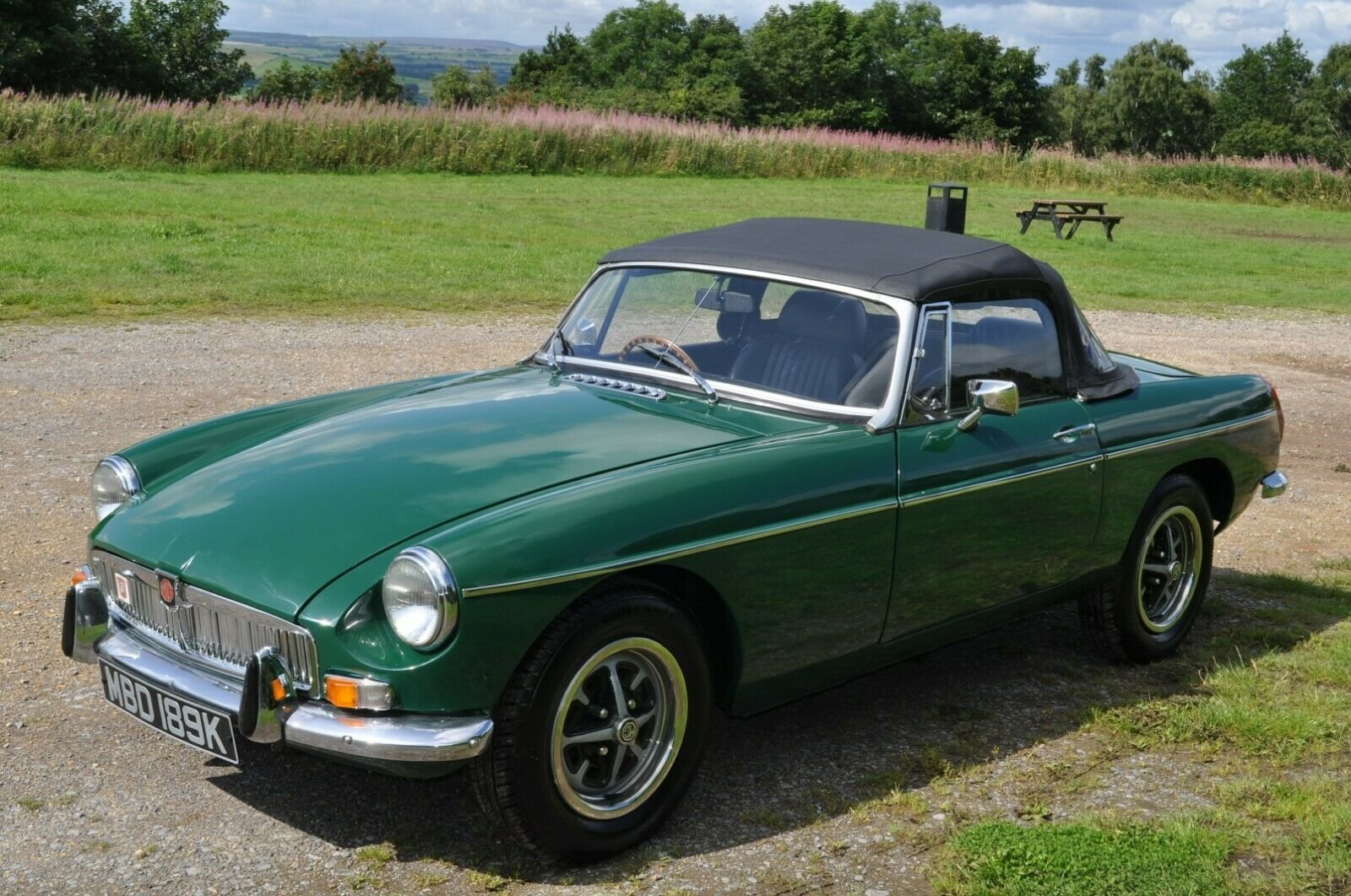 1971 MG MGB CHROME BUMPER ROADSTER RECENT FULL RESTORATION  For Sale (picture 2 of 6)