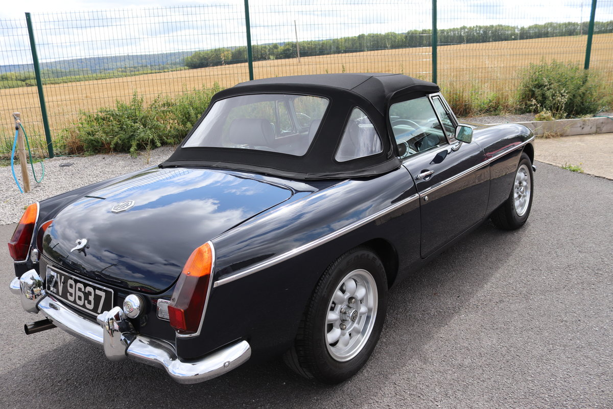 1974 MGB HERITAGE SHELL in Midnight blue For Sale (picture 4 of 6)