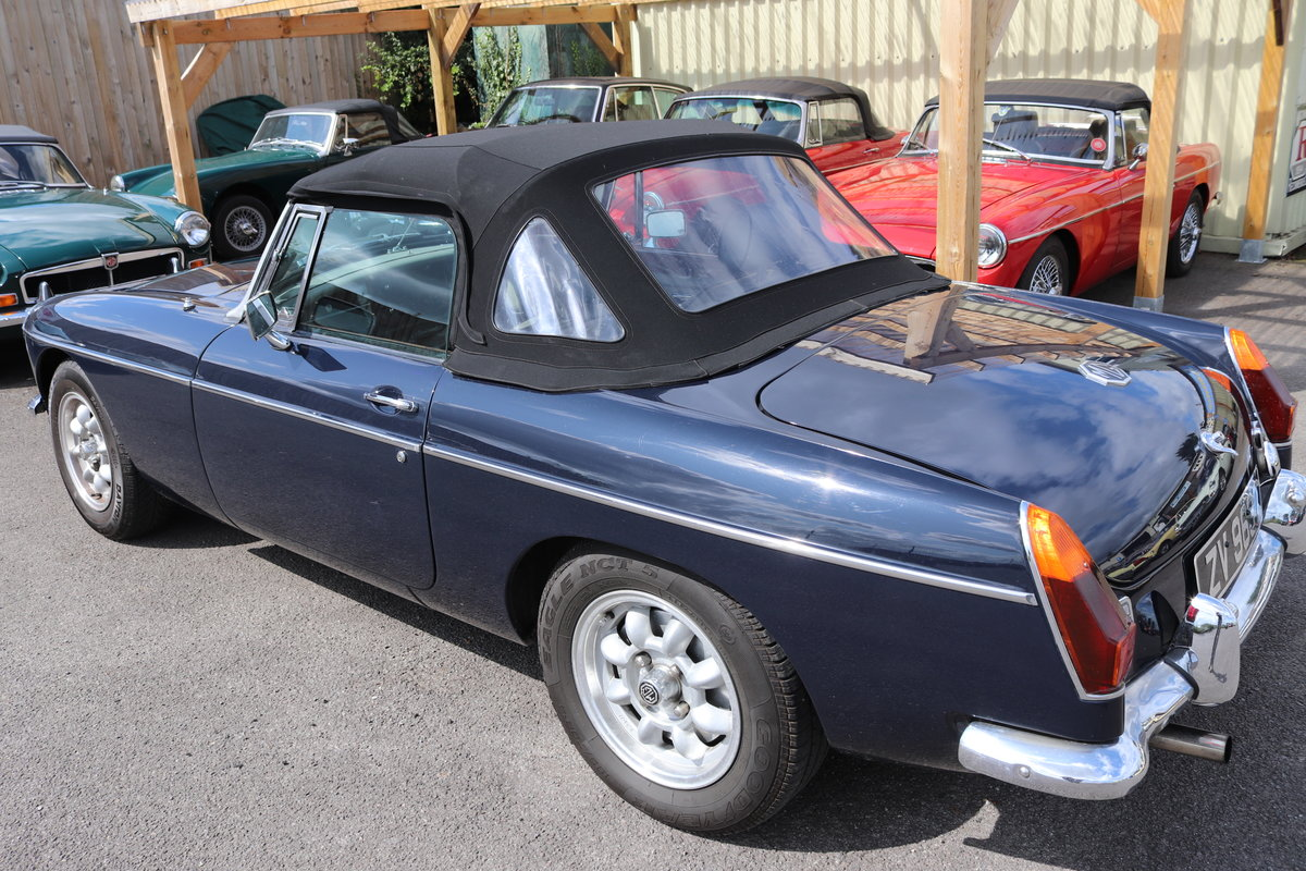 1974 MGB HERITAGE SHELL in Midnight blue For Sale (picture 5 of 6)