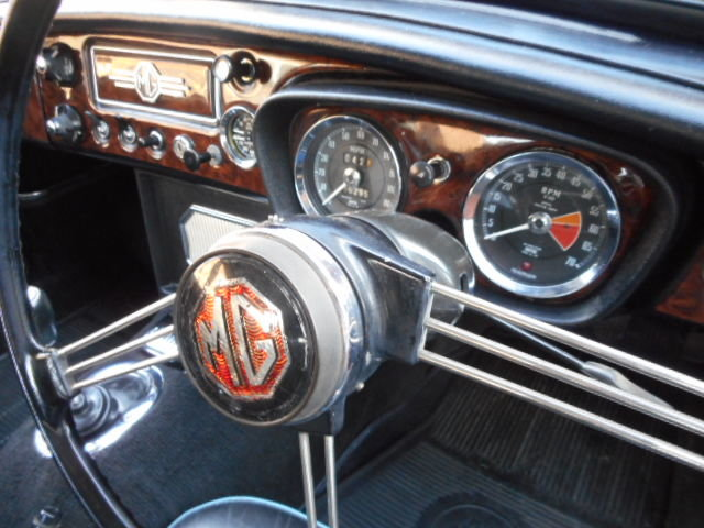 1967 MGB GT MK1 with historical interest Beautiful  For Sale (picture 4 of 6)