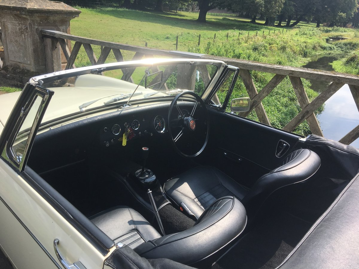1969 MG Midget Mklll (pre-face lift model) For Sale (picture 3 of 6)