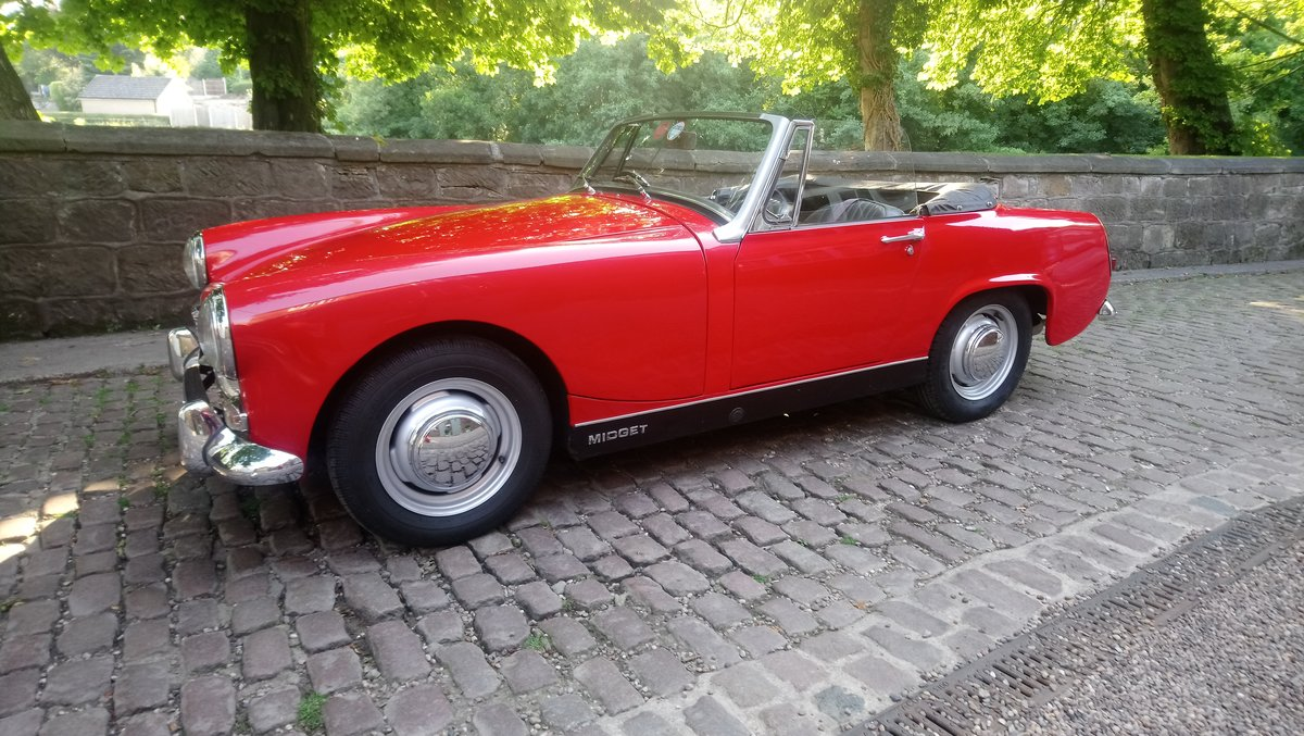 1969 MG MIdget Mark 111 1275cc in Red For Sale (picture 2 of 6)