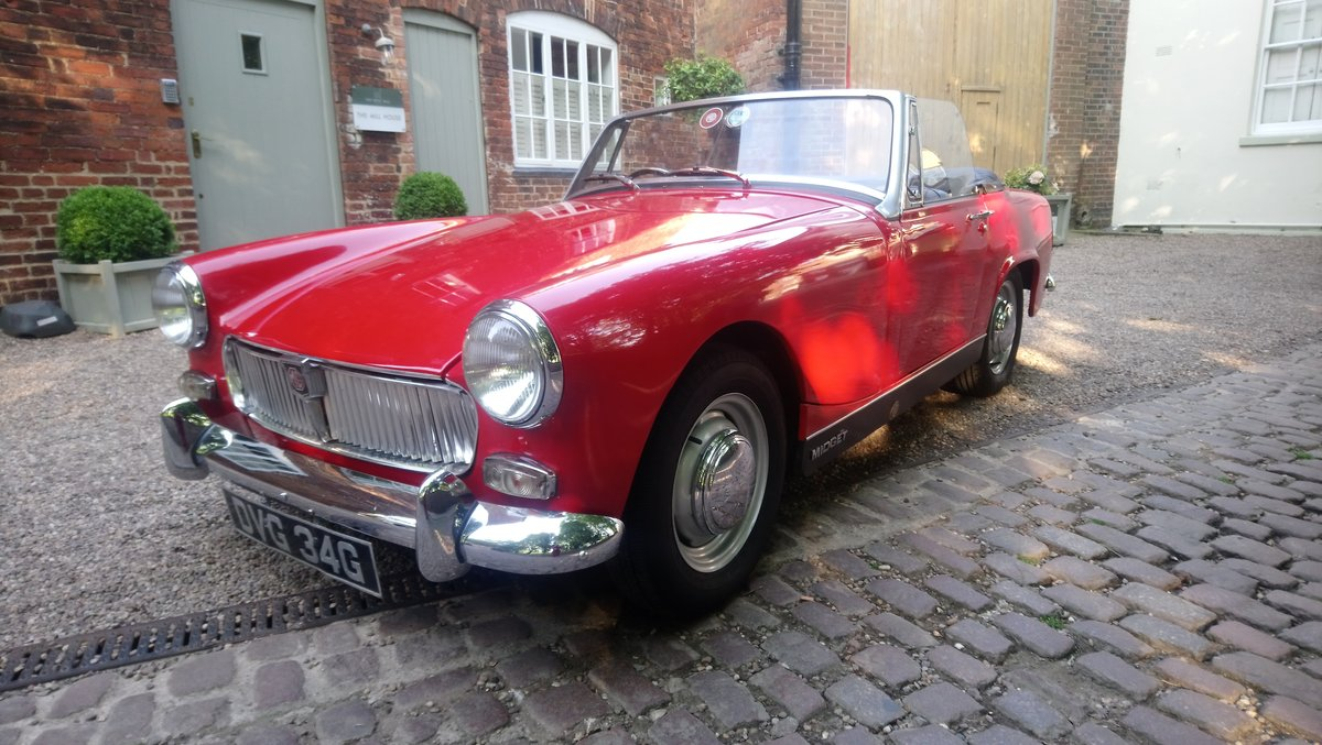 1969 MG MIdget Mark 111 1275cc in Red For Sale (picture 4 of 6)