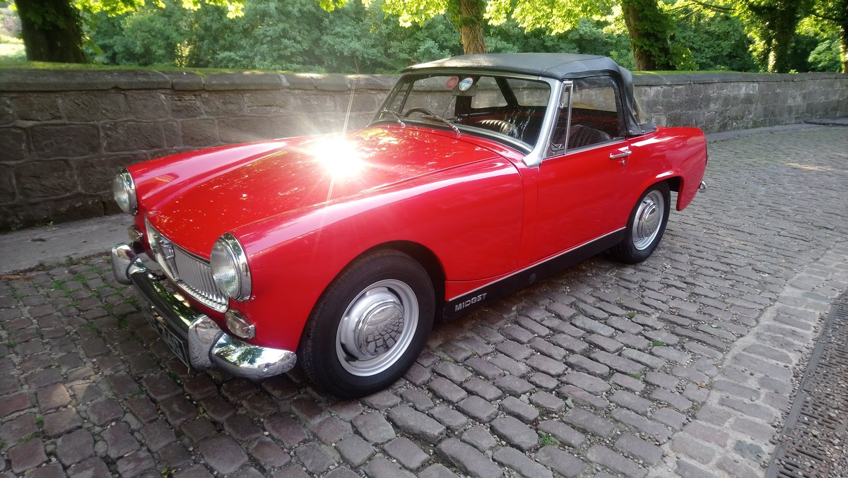 1969 MG MIdget Mark 111 1275cc in Red For Sale (picture 5 of 6)