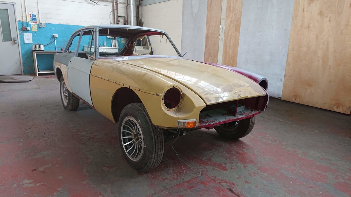 Mg b gt very very good restored rolling shell 1974 For Sale (picture 5 of 6)