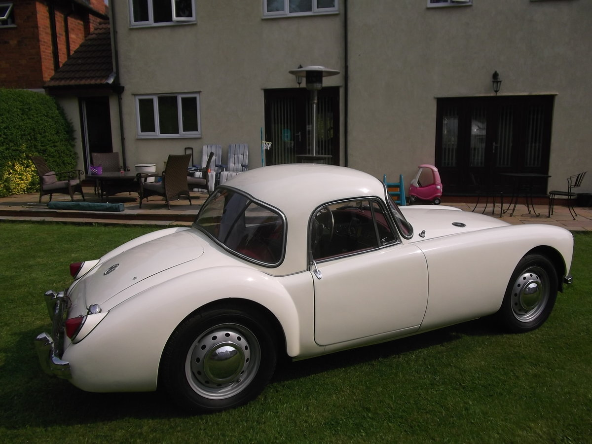 1959 MG A 1500cc, Fixed Head Coupe, Left Hand Drive, MGA For Sale (picture 3 of 6)
