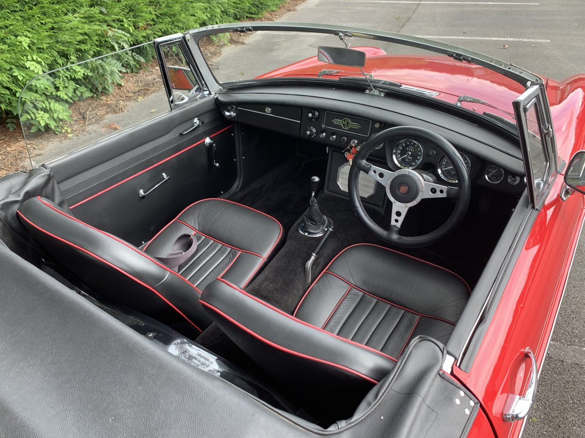 1968 MGB ROADSTER SOLD (picture 4 of 6)