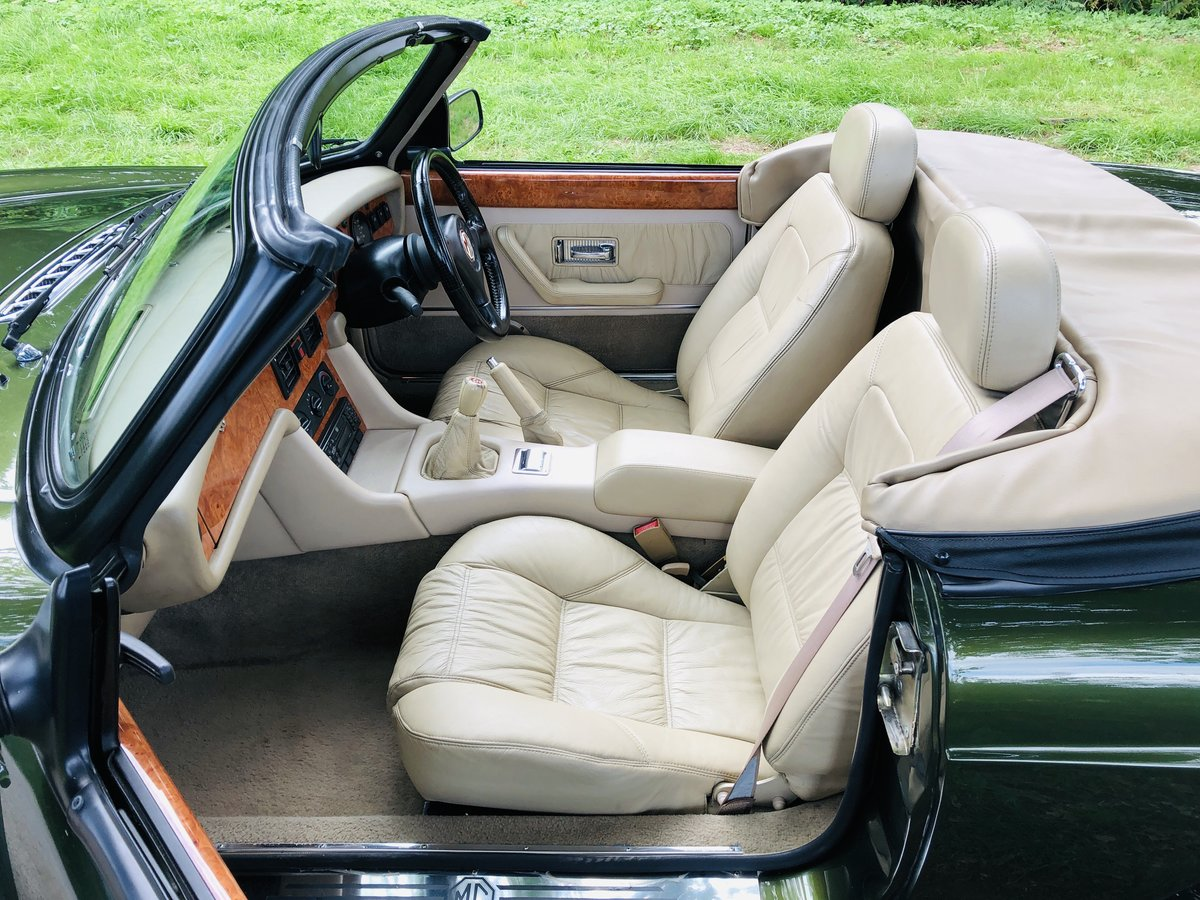 1994 MG RV8 3.9L V8 Roadster 49000 miles For Sale (picture 3 of 6)