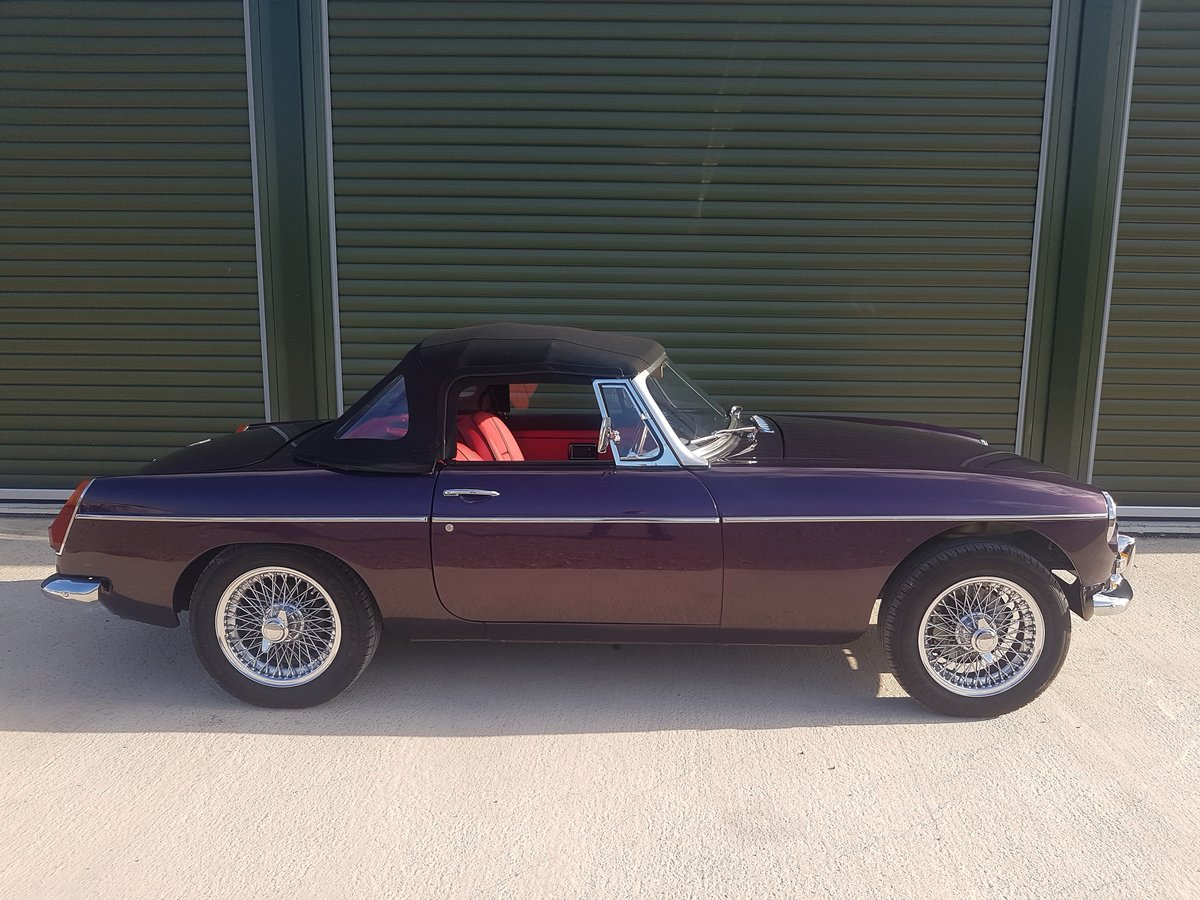 1970 MGB Roadster Heritage shell restoration, amazing spec. SOLD (picture 2 of 6)