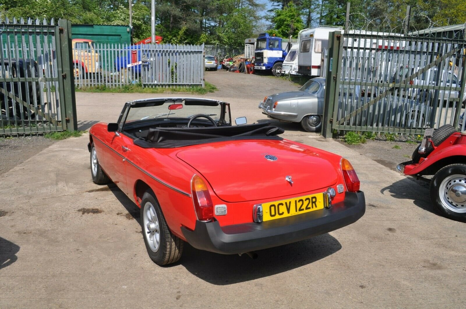 1977  MG MGB ROADSTER TAX EXEMPT LOVELY USABLE CLASSIC CAR SOLD (picture 2 of 6)