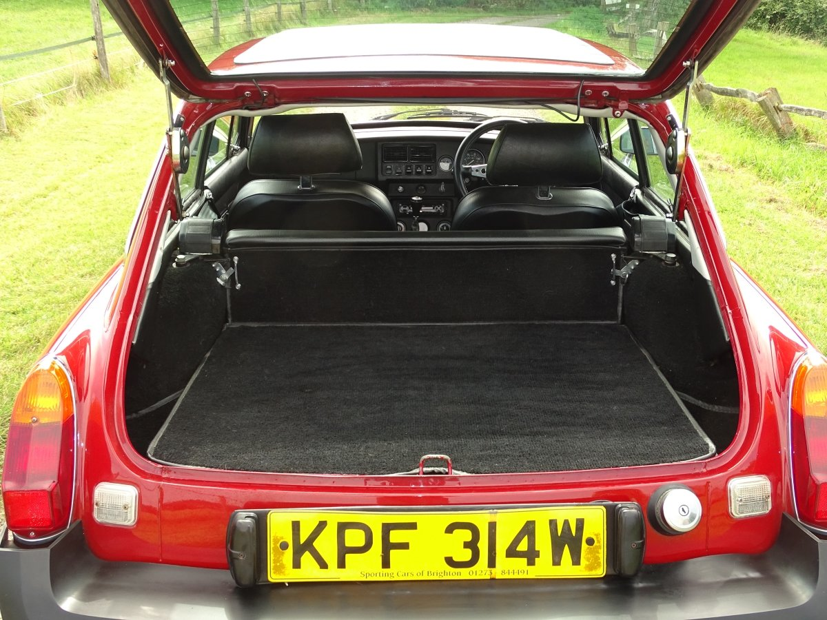 1980 Exceptional MGB GT, 77000m, Full history, sunroof, overdrive SOLD (picture 5 of 6)