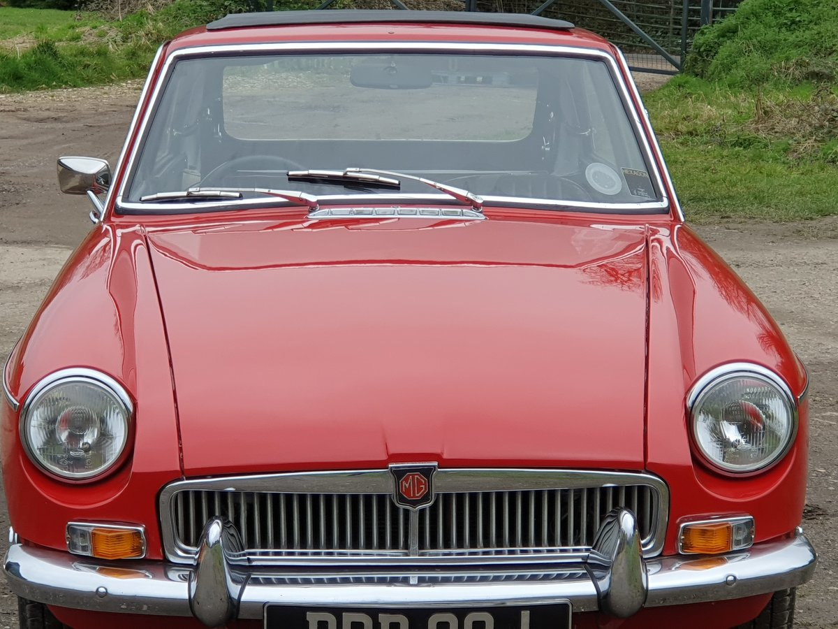 MG B GT, 1970, Flame Red For Sale (picture 3 of 6)