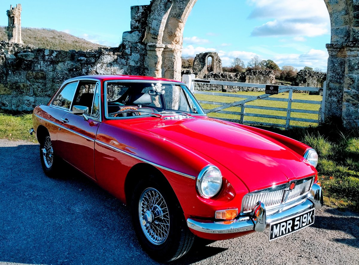 1972 MGB gt Manual O/D - Excellent Condition SOLD (picture 1 of 6)