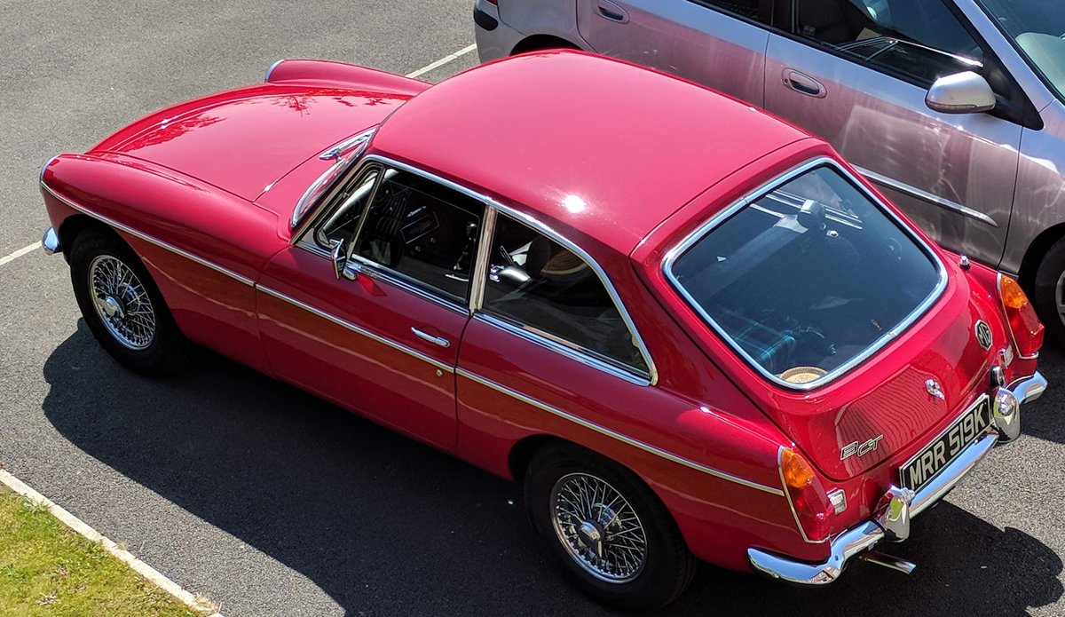 1972 MGB gt Manual O/D - Excellent Condition SOLD (picture 2 of 6)