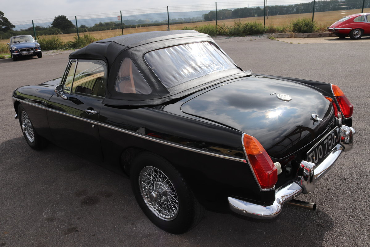 1971 MGB Roadster,fully rebuilt with POWER STEERING For Sale (picture 5 of 6)