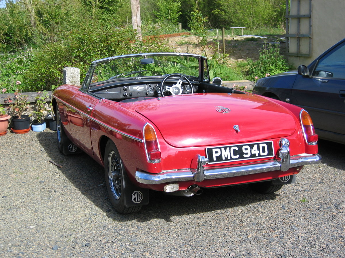 1966 MGB V8 Roadster 3.5l For Sale (picture 2 of 6)