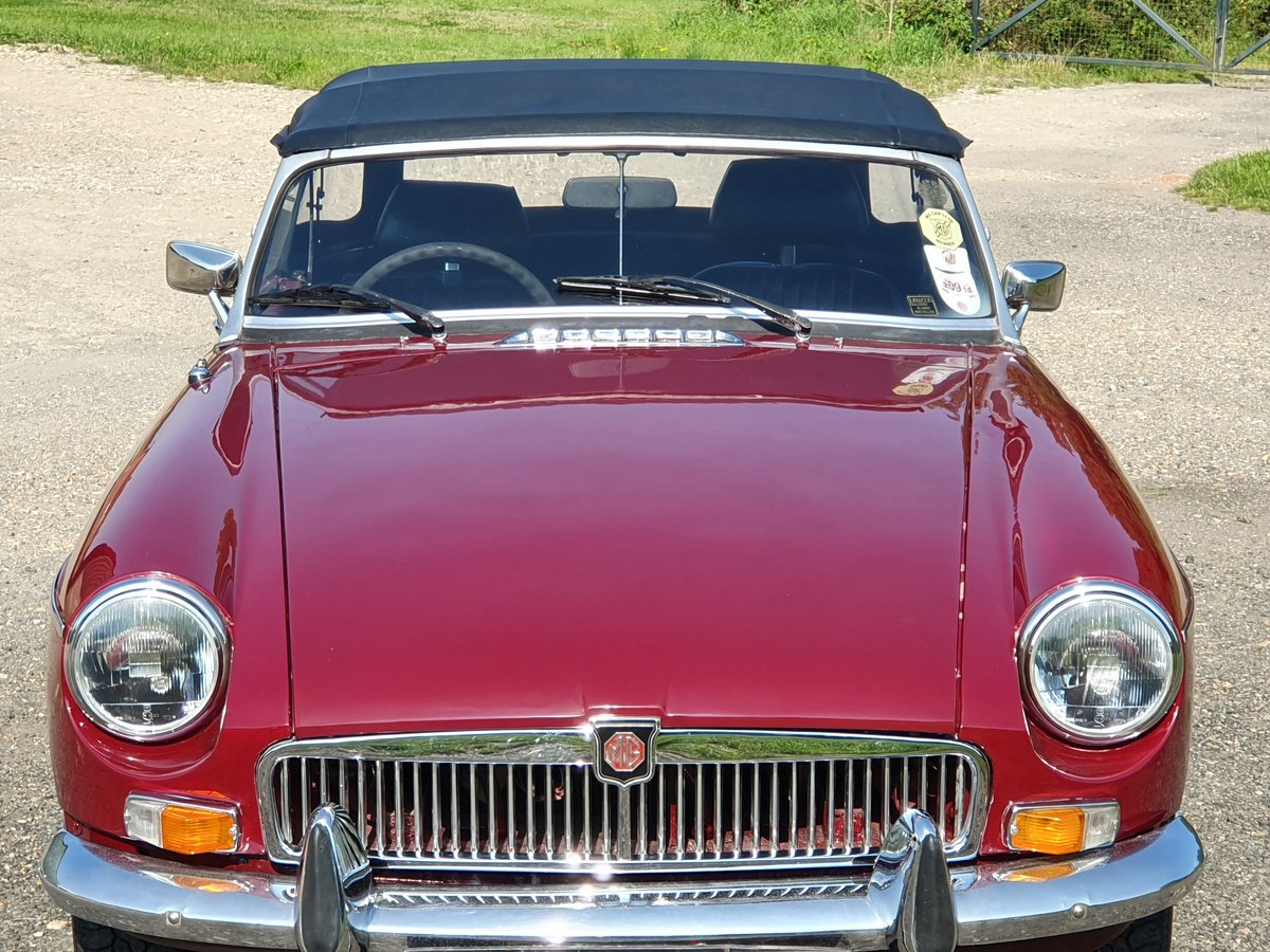 MG B Roadster, 1977, Damask Red For Sale (picture 3 of 4)