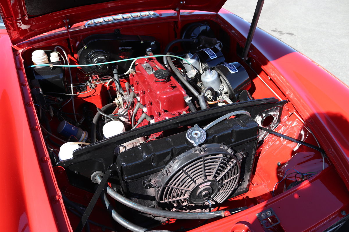1970 MGB GT, Detailed engine bay For Sale (picture 2 of 6)