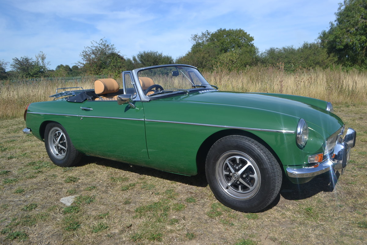1971 MGB Roadster restored For Sale (picture 1 of 6)