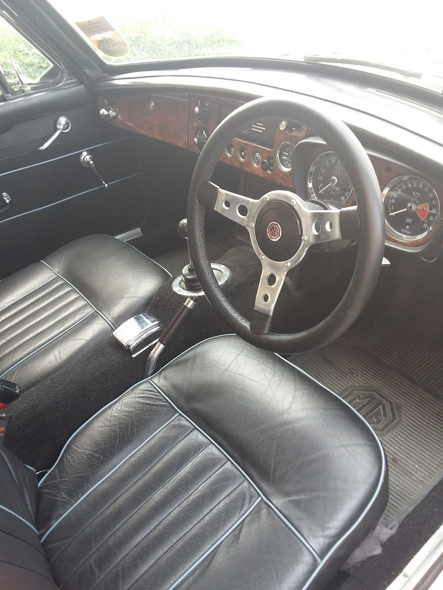 1967 MGB BGT with overdrive For Sale (picture 3 of 6)