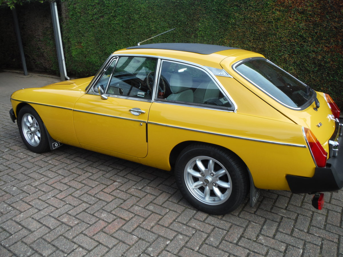 1979 MGB GT Beautiful Solid Car in Inca Yellow For Sale (picture 3 of 6)