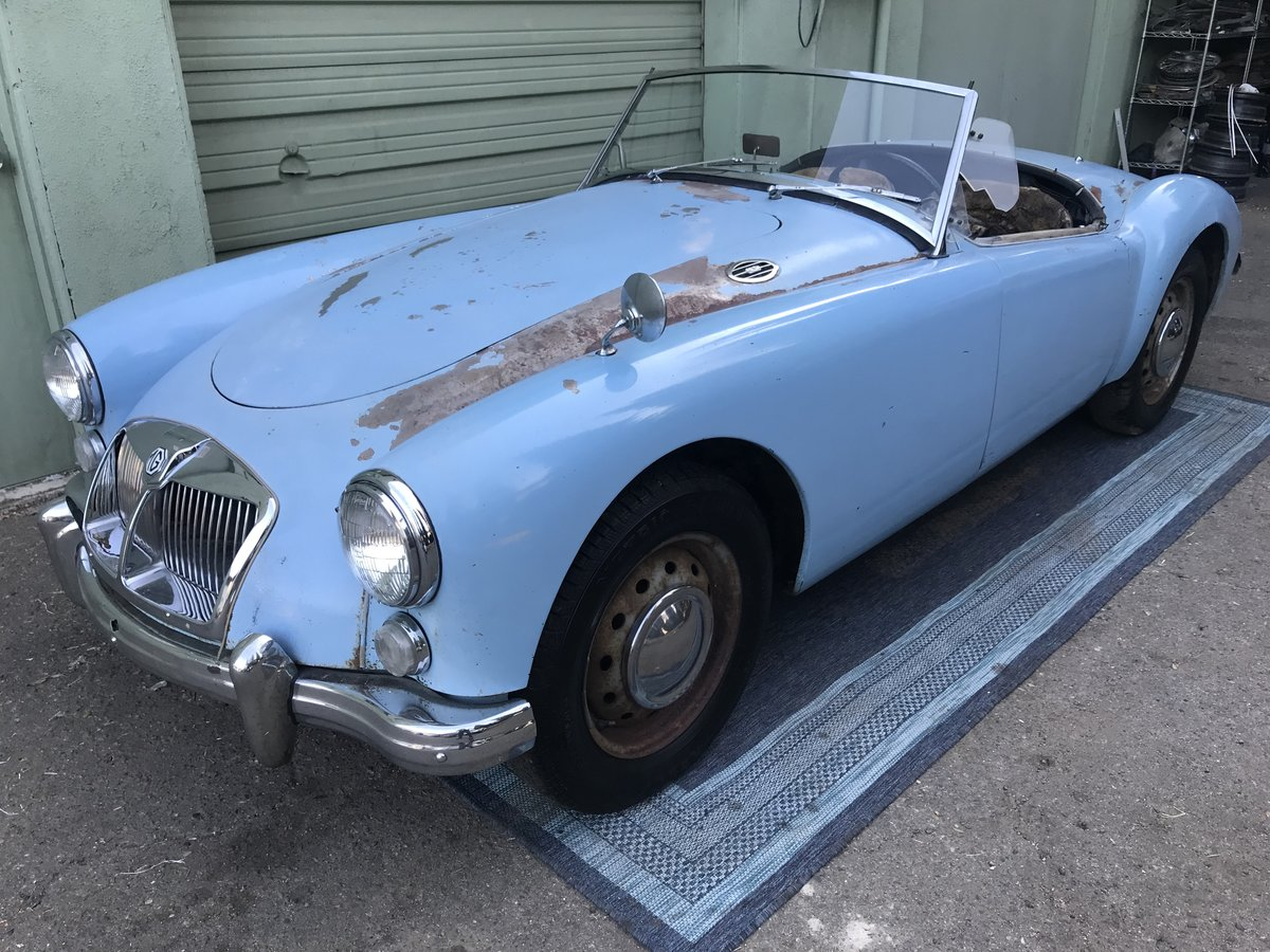 ***1960 MGA 1600 Roadster  For Sale (picture 3 of 6)