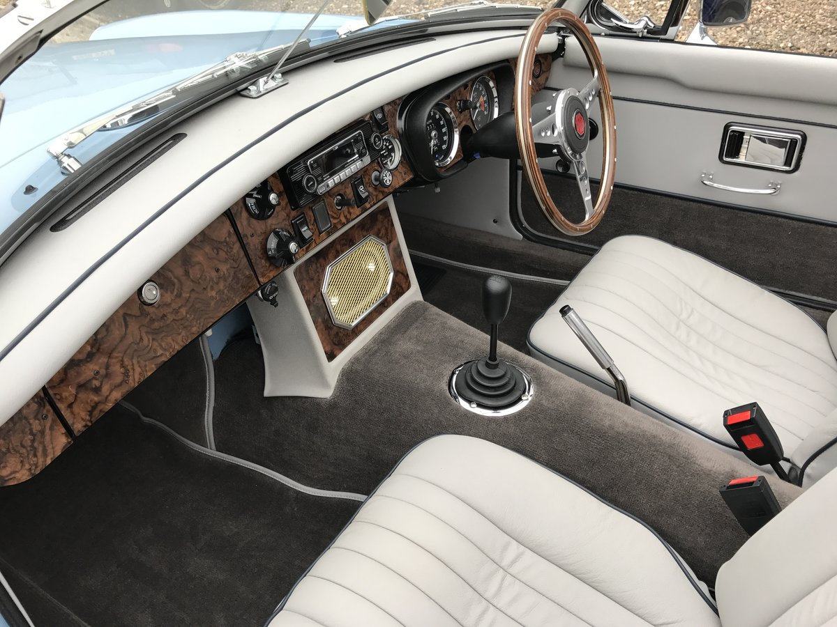 1971 MGB Roadster heritage shell rebuild For Sale (picture 7 of 10)