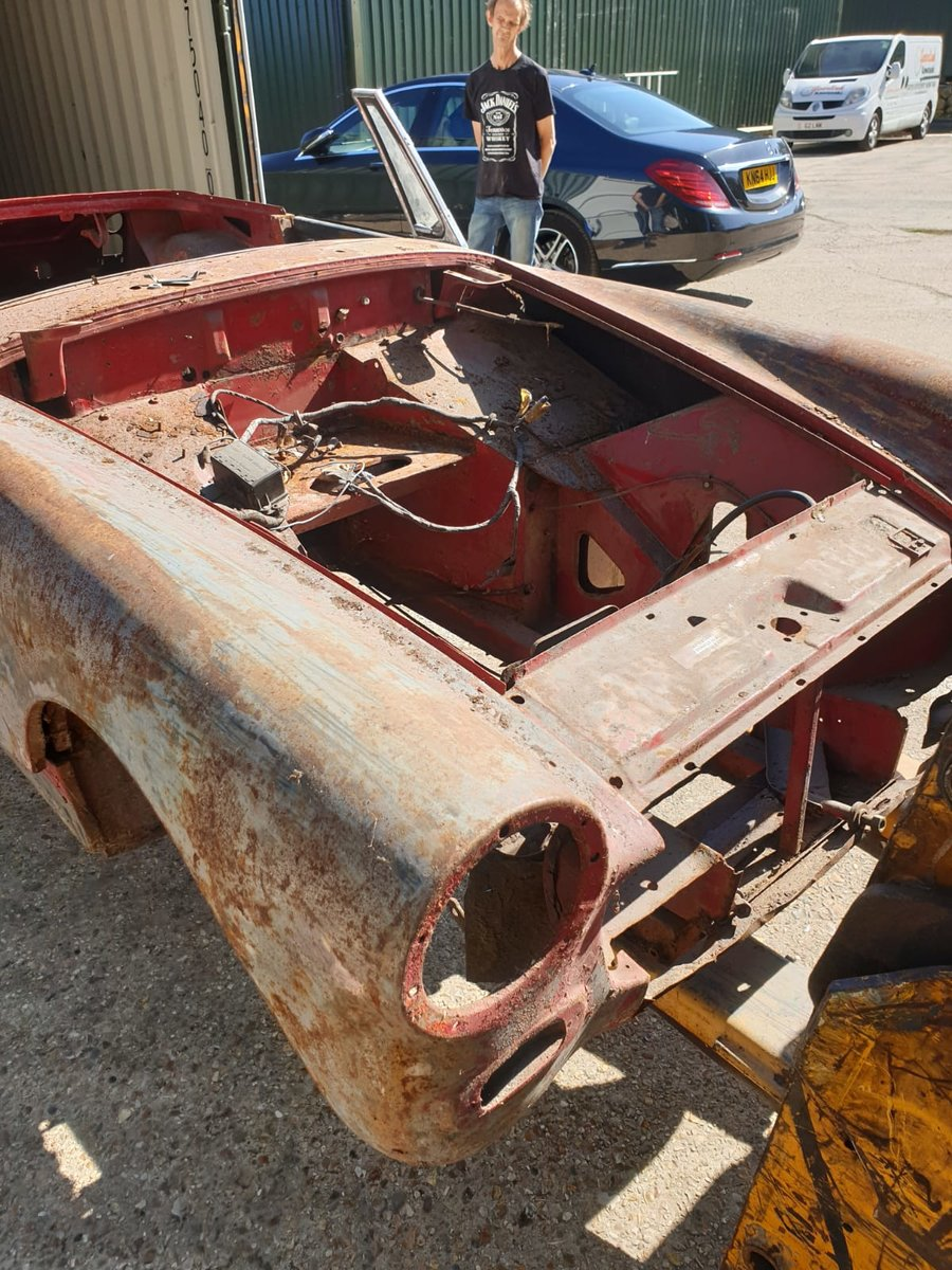 1972 MG Midget Rounded Wheel Arch for Restoration For Sale (picture 1 of 6)