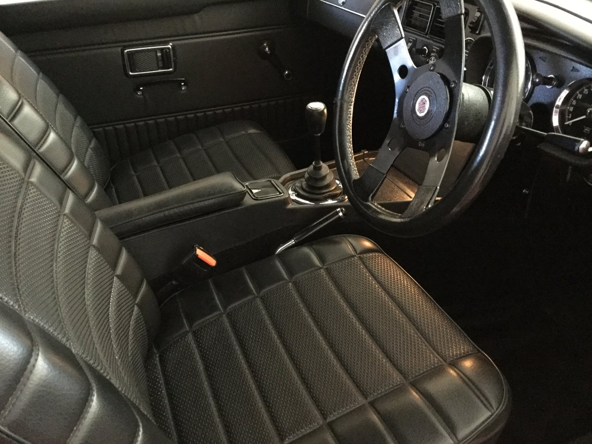 1972 MGB Roadster Totally restored For Sale (picture 5 of 6)