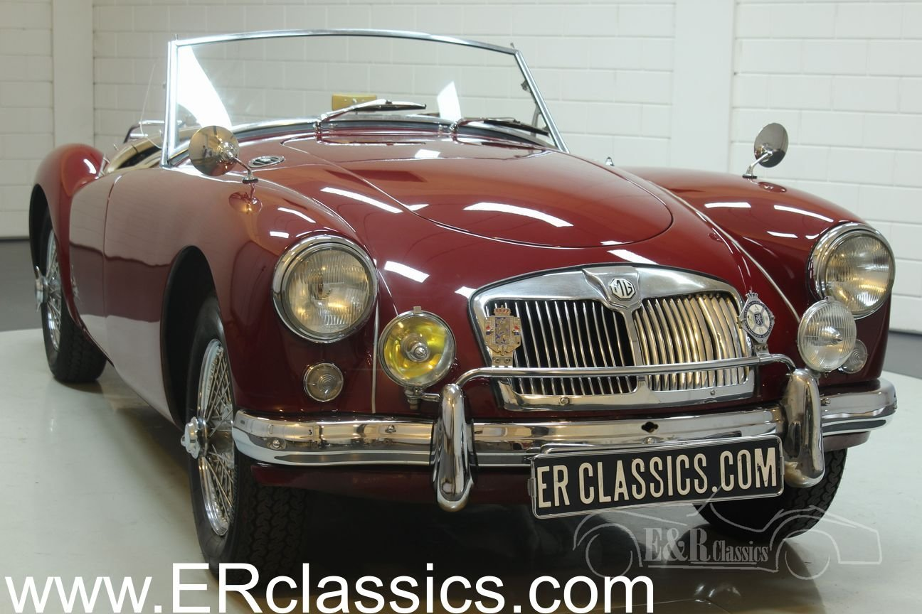 MGA Cabriolet 1960 Chrome wire wheels Burgundy Red For Sale (picture 1 of 6)