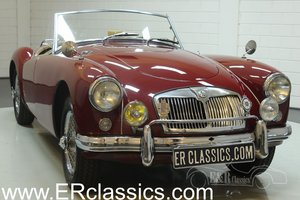 MGA Cabriolet 1960 Chrome wire wheels Burgundy Red