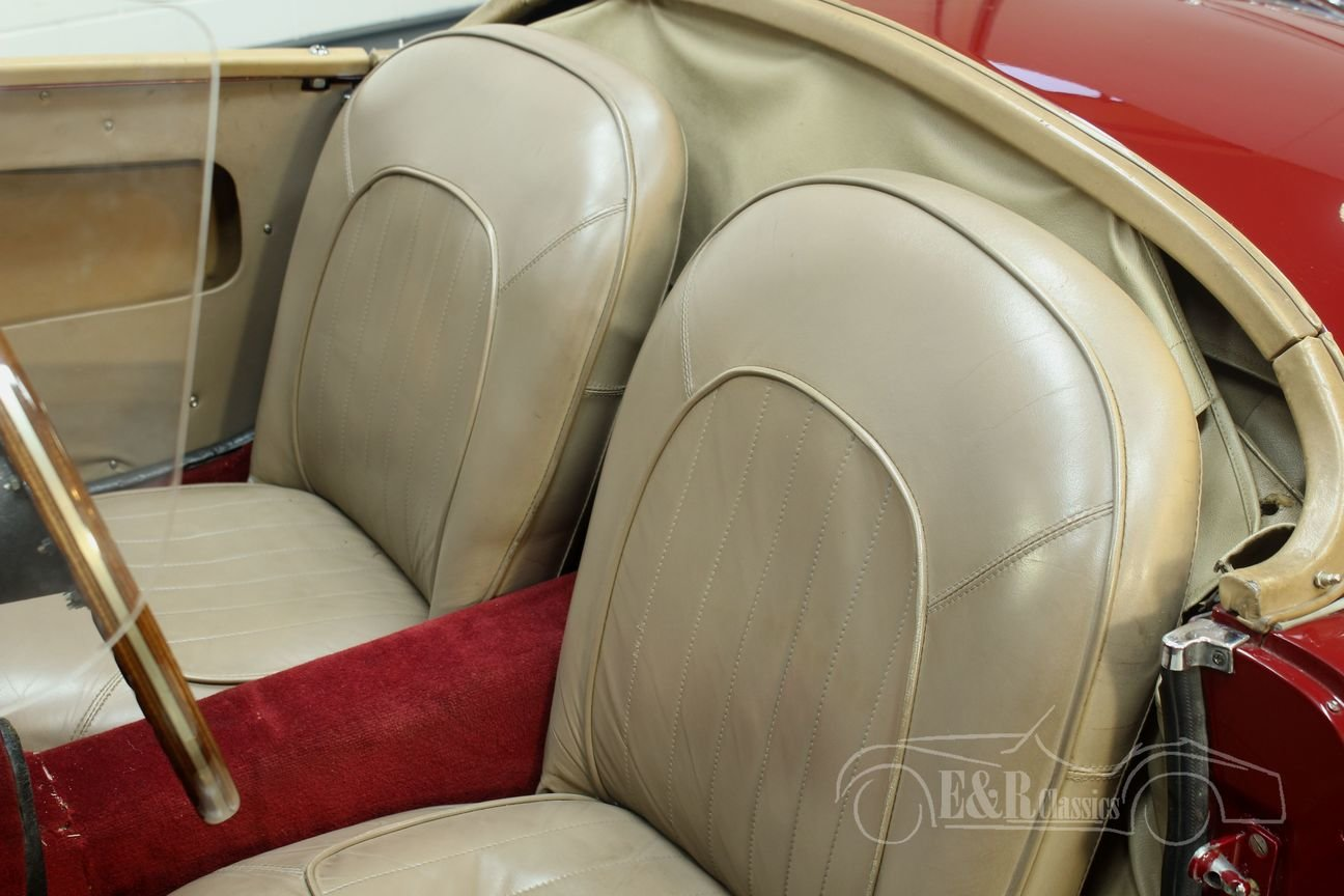 MGA Cabriolet 1960 Chrome wire wheels Burgundy Red For Sale (picture 6 of 6)