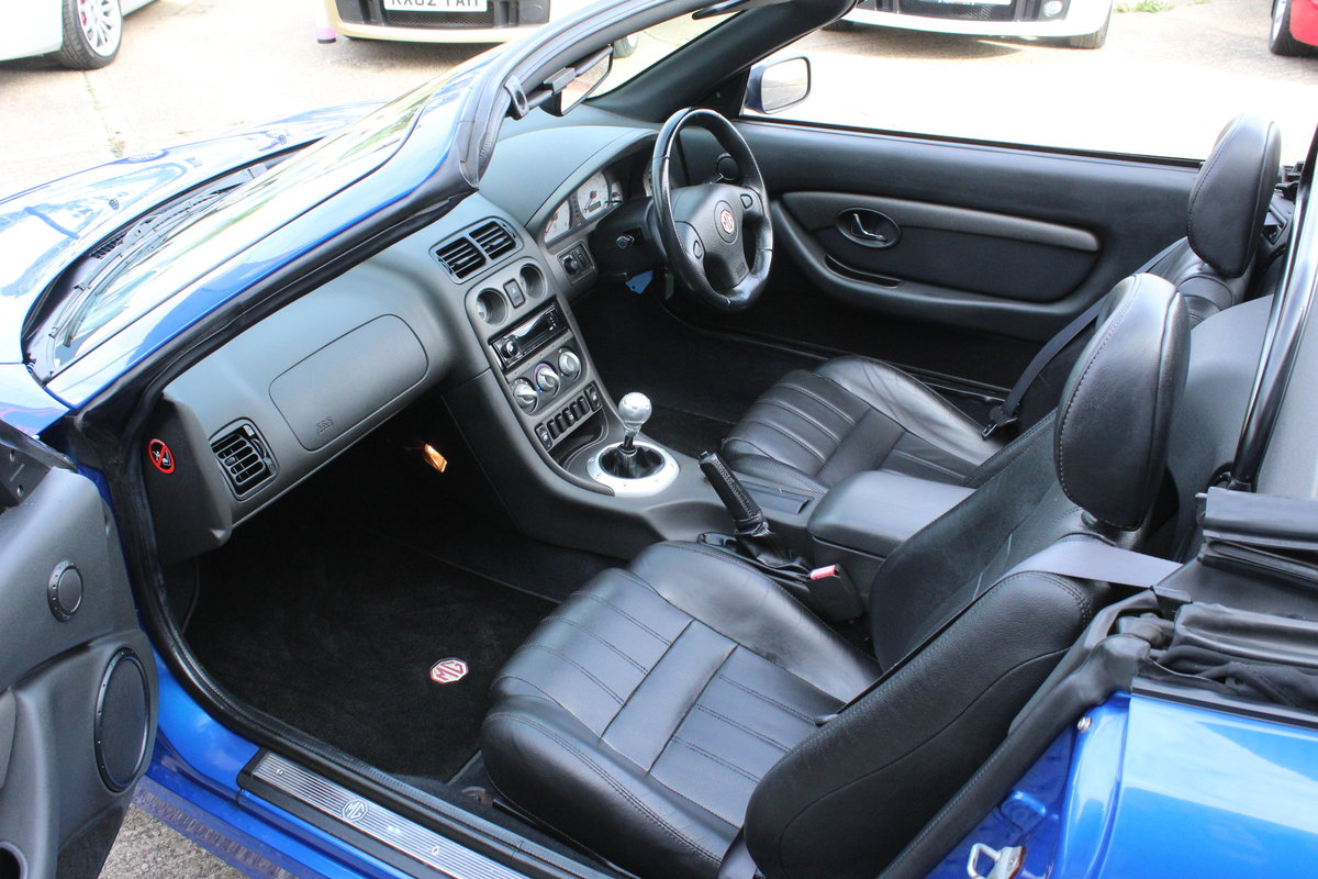 2003 MG TF 135,FULL LEATHER,GLASS WINDOW,35000 MILES For Sale (picture 3 of 6)