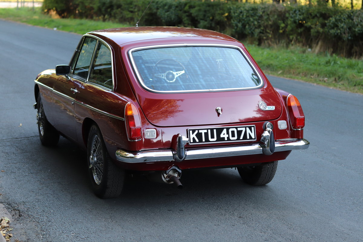 1975 MGB GT  - Overdrive, Leather trim, CWW SOLD (picture 4 of 16)