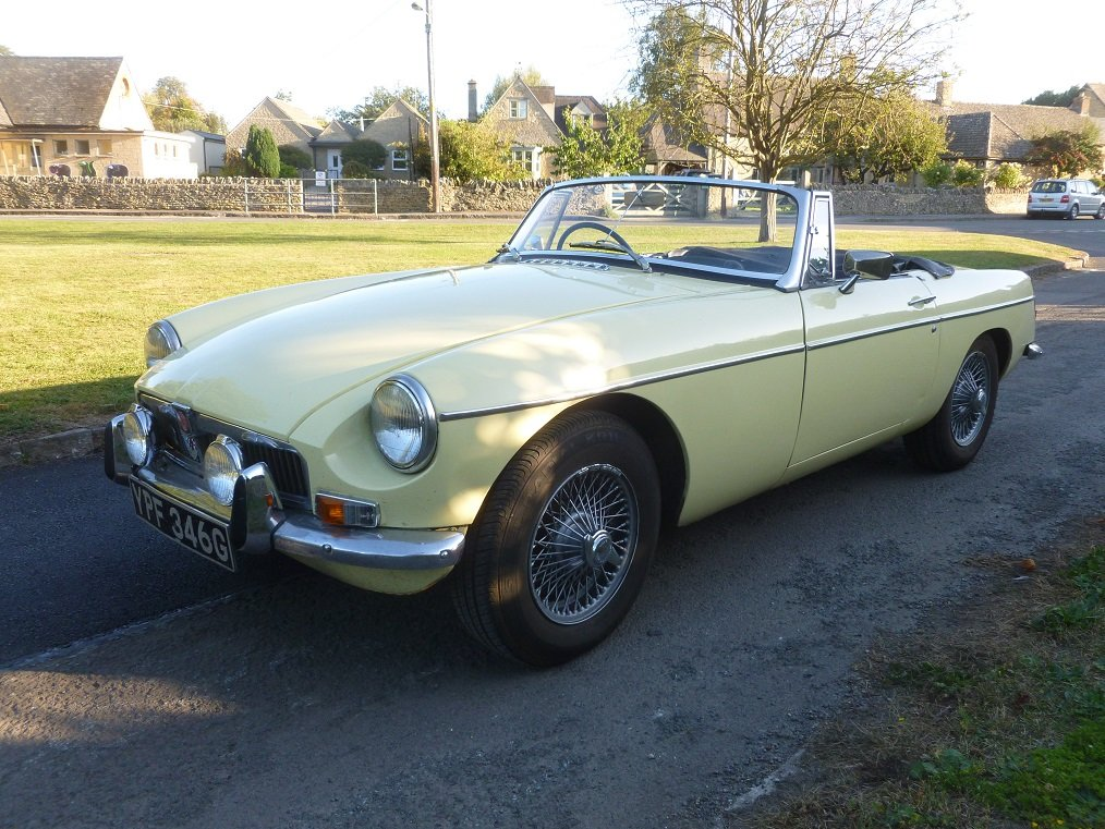 MGB Roadster 1969.  Very original.  Overdrive, Wire wheels.  For Sale (picture 1 of 6)