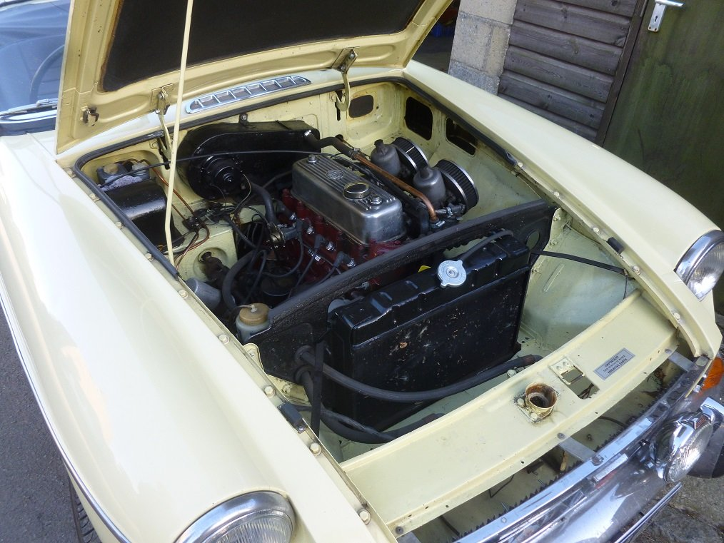 MGB Roadster 1969.  Very original.  Overdrive, Wire wheels.  SOLD (picture 6 of 6)