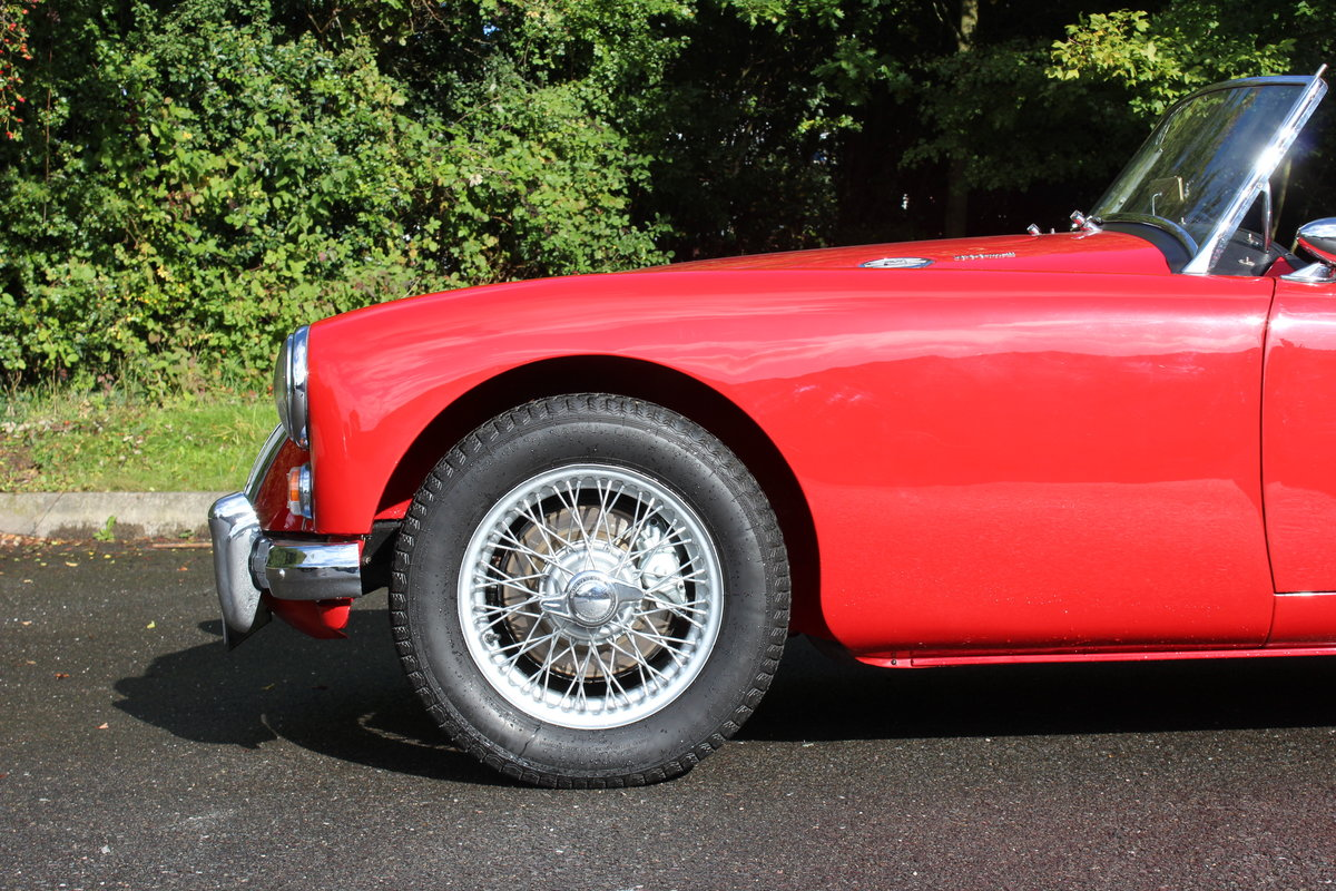 1961 MGA ROADSTER 1600 Mk2. For Sale (picture 2 of 6)