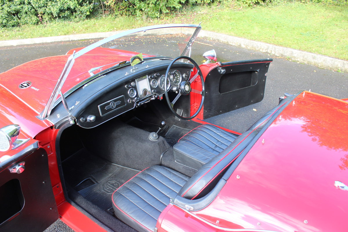 1961 MGA ROADSTER 1600 Mk2. For Sale (picture 4 of 6)
