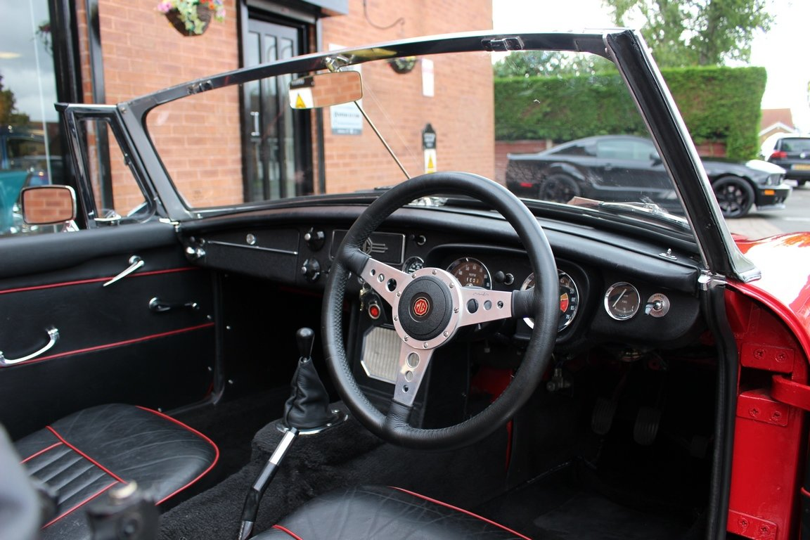 1966 MGB Roadster - Restored | Power Steering SOLD (picture 5 of 6)