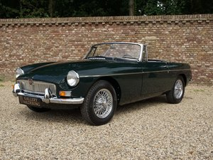 1963 MG B Roadster Pull-Handle Bare-Metal/Body-Off restored, TOP  For Sale