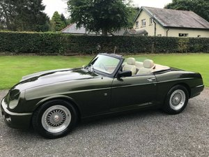 1994 MG RV8 3.9 V8 WOODCOTE GREEN JUST 25K SIMPLY STUNNING!!