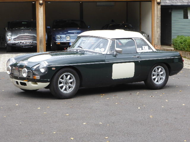 1964 MGB Roadster For Sale (picture 1 of 6)