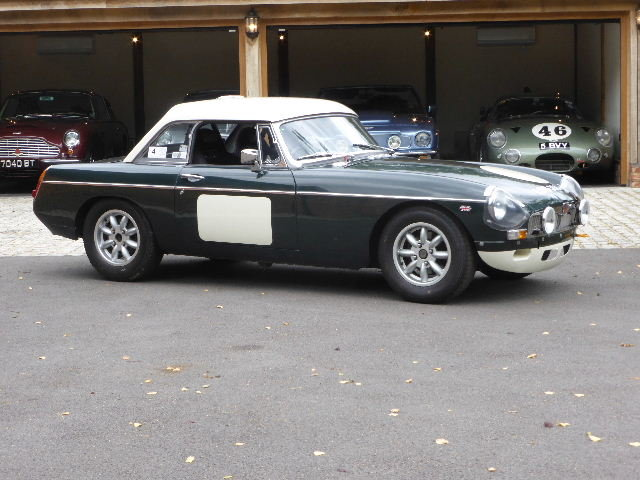 1964 MGB Roadster For Sale (picture 2 of 6)