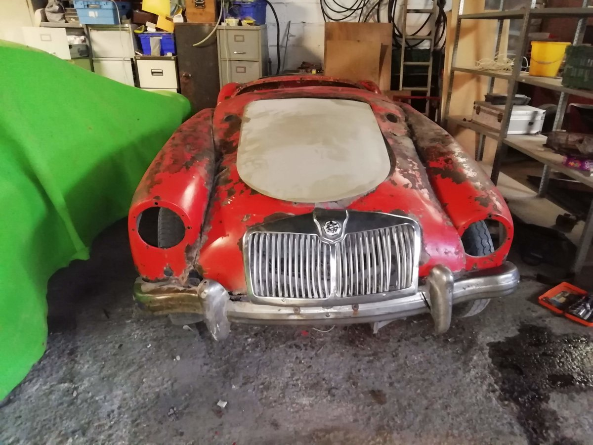 1956 MGA ROADSTER FOR TOTAL RESTORATION For Sale (picture 1 of 6)