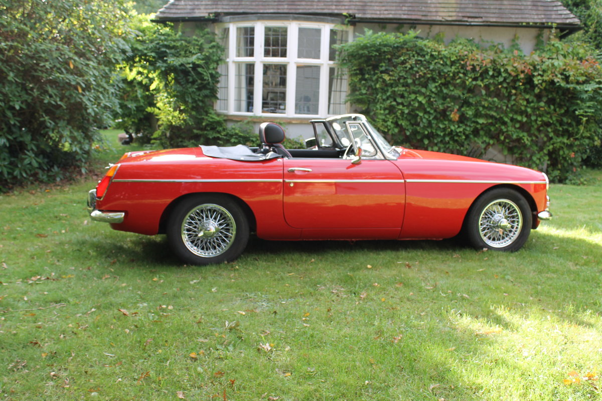 1970 MGB Roadster For Sale (picture 2 of 10)