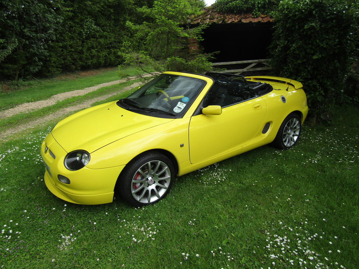 2001 MGF Trophy 160 SE in excellent condition For Sale (picture 1 of 6)