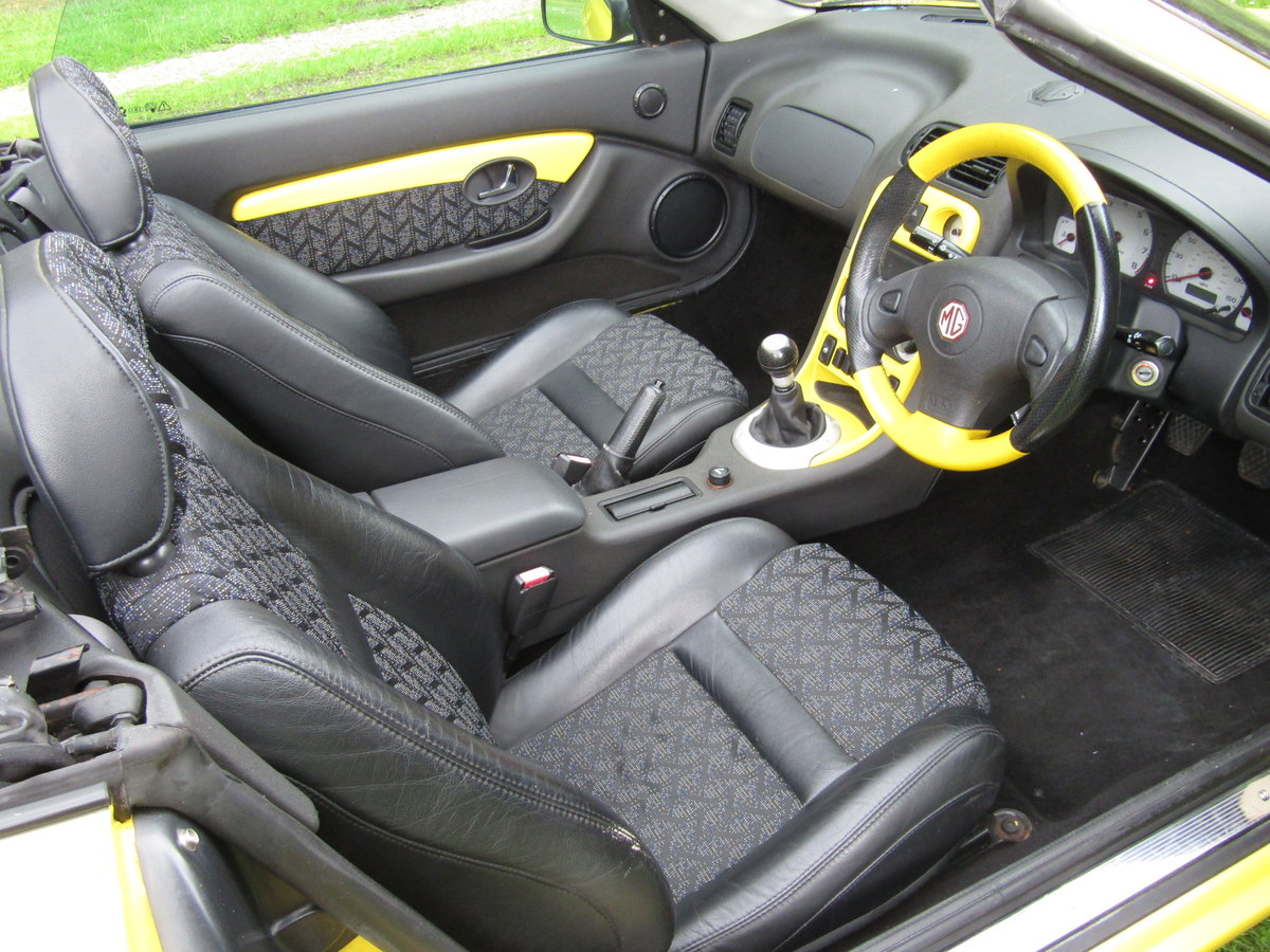 2001 MGF Trophy 160 SE in excellent condition For Sale (picture 4 of 6)