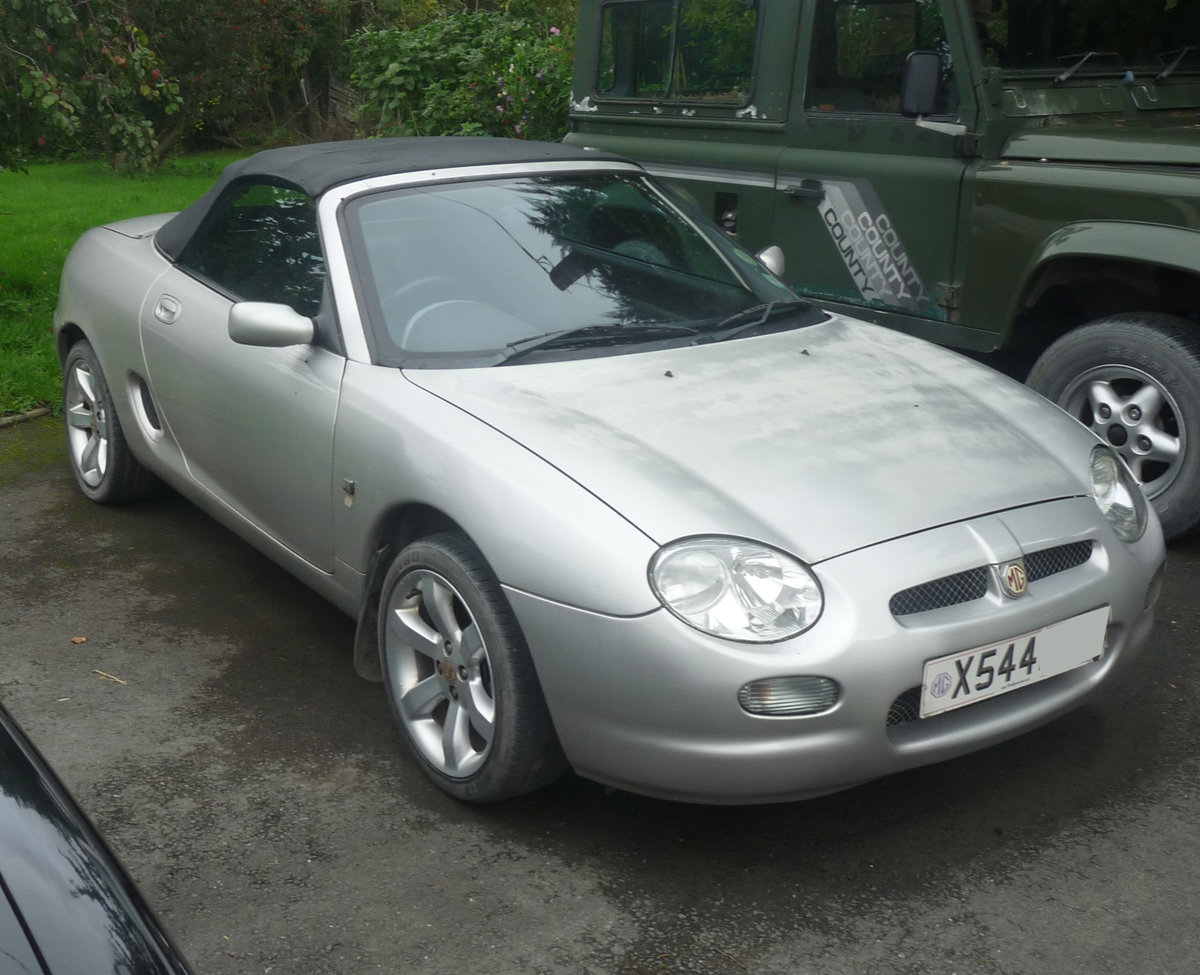 2000 MGF Silver late 1999 low mileage For Sale (picture 2 of 3)