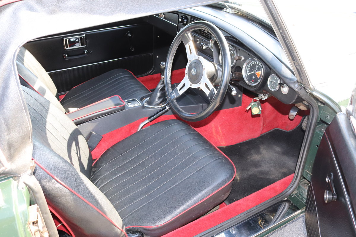 1972 MGB HERITAGE SHELL in BRG For Sale (picture 4 of 6)